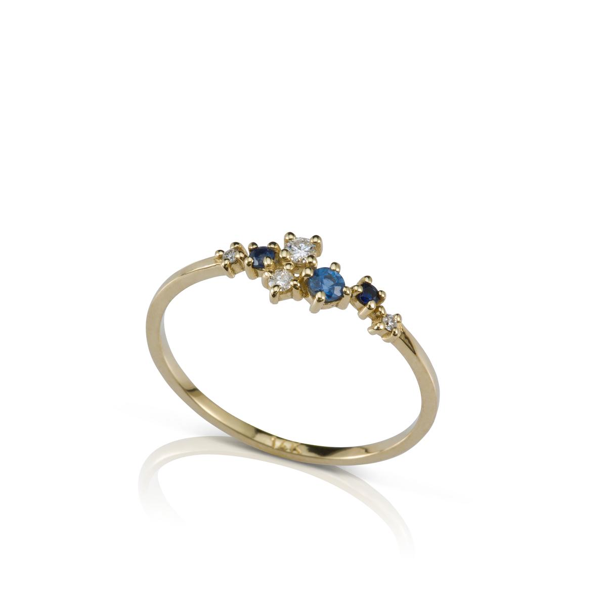 טבעת זהב עדינה ומיוחדת משובצת יהלומים וספירים בגדלים משתנים