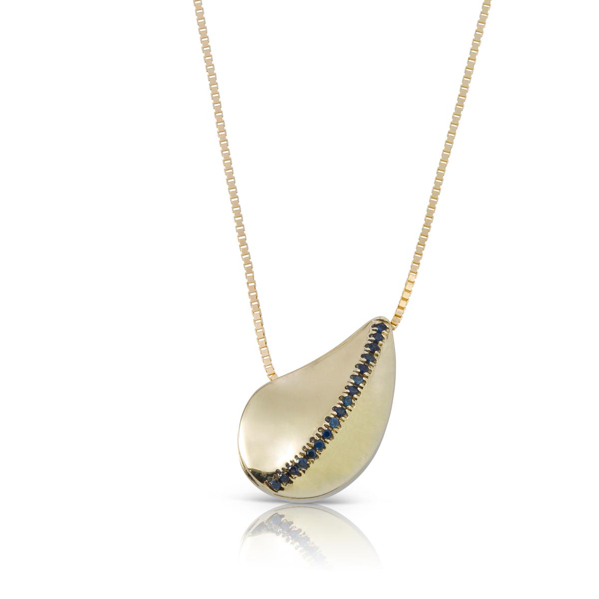שרשרת זהב מיוחדת עם תליון בצורת עלה / טיפה משובץ באבני ספיר