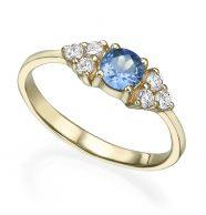 טבעת אירוסין משובצת אבן ספיר