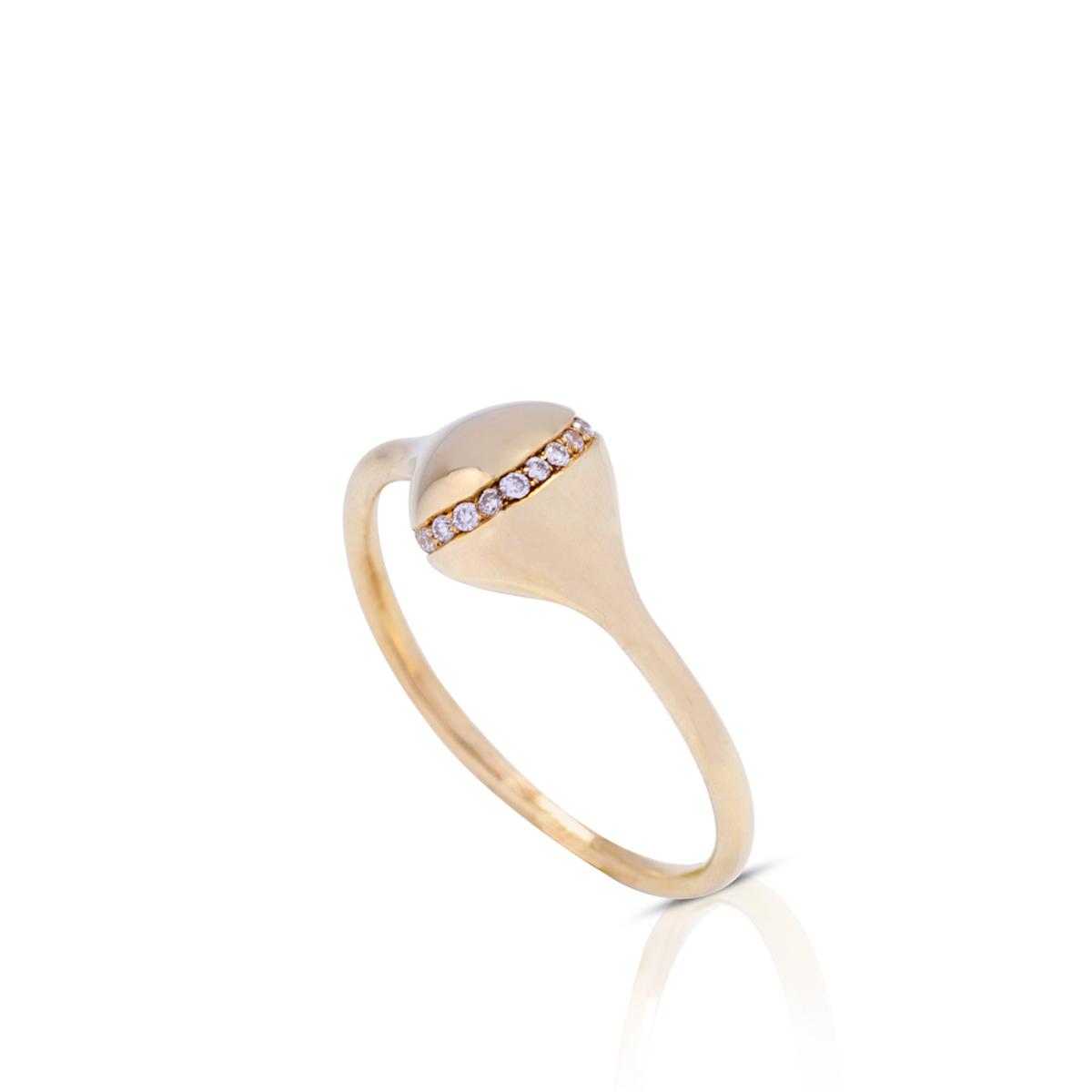 טבעת זהב עדינה ומיוחדת משובצת שורת יהלומים