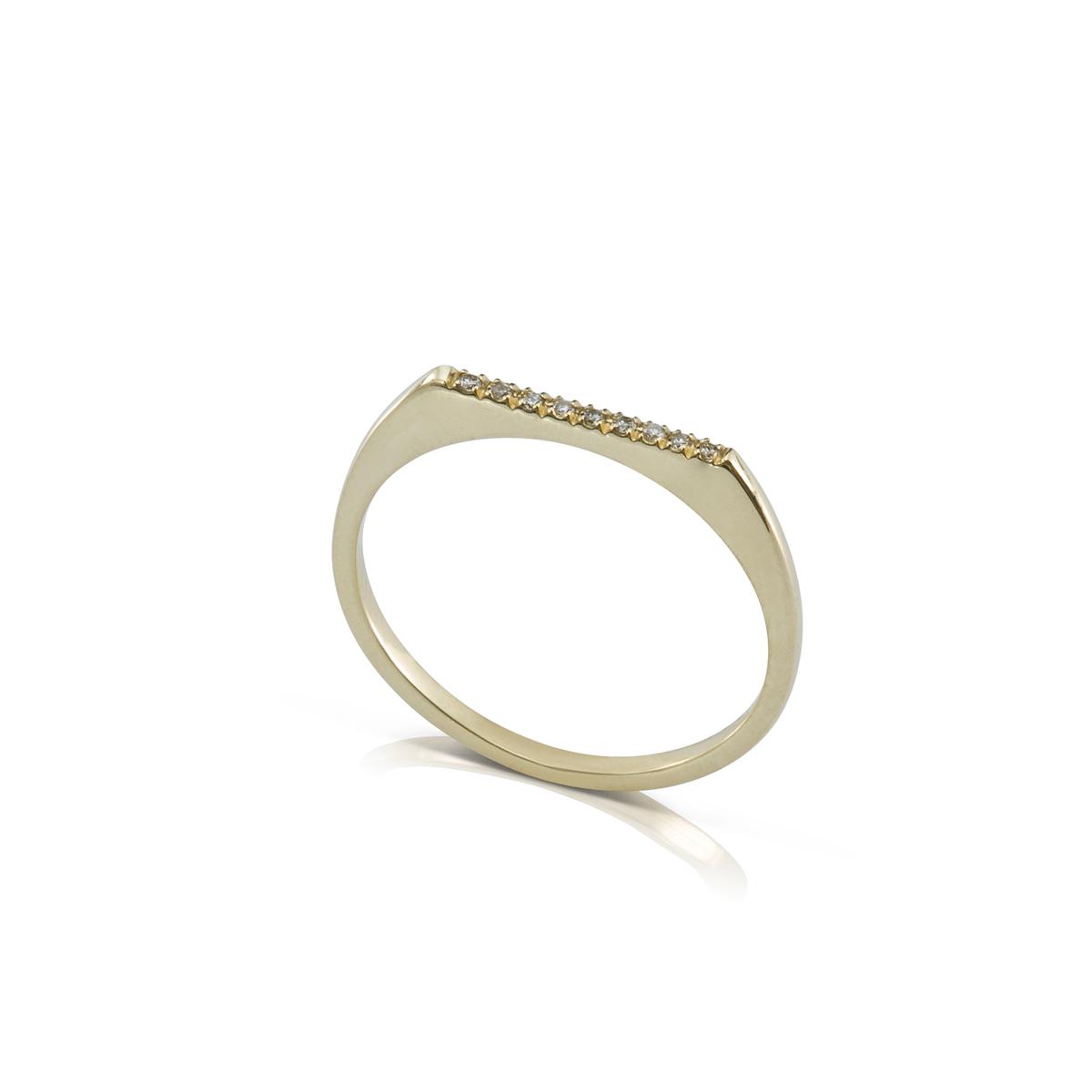 טבעת חותם דקה משובצת שורת יהלומים