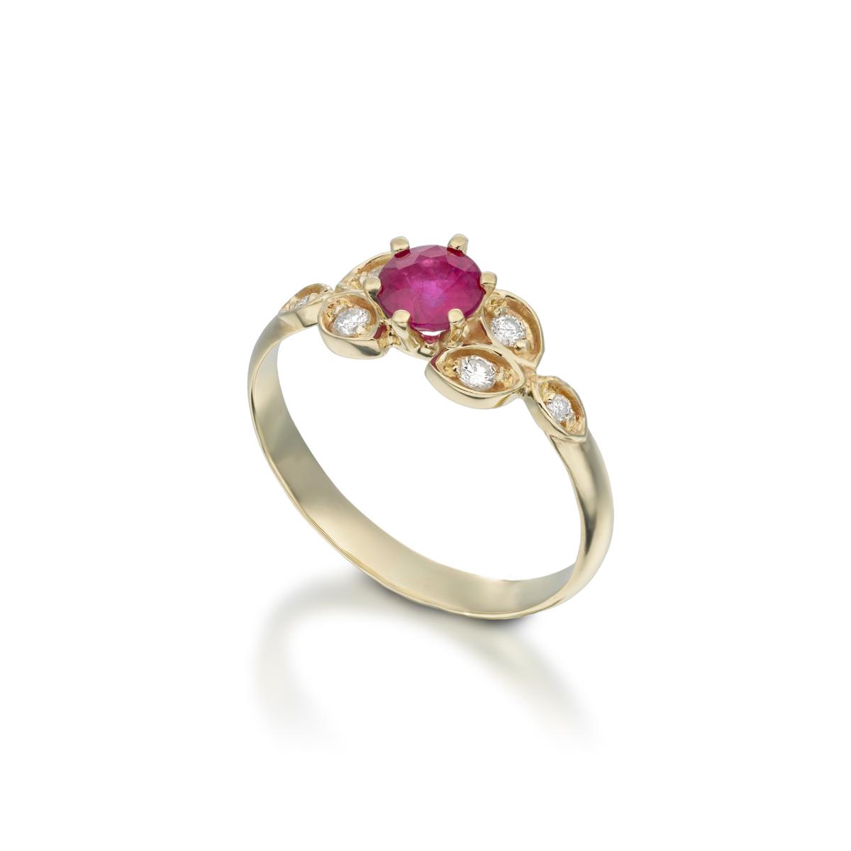 טבעת זהב רובי ויהלומים מיוחדת