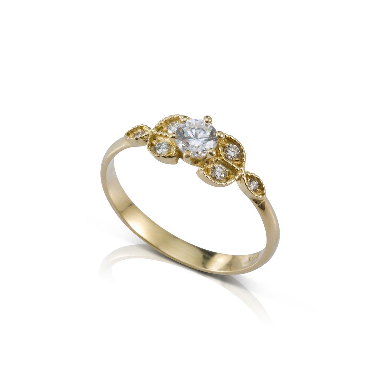 טבעת סוליטר ויהלומים מיוחדת