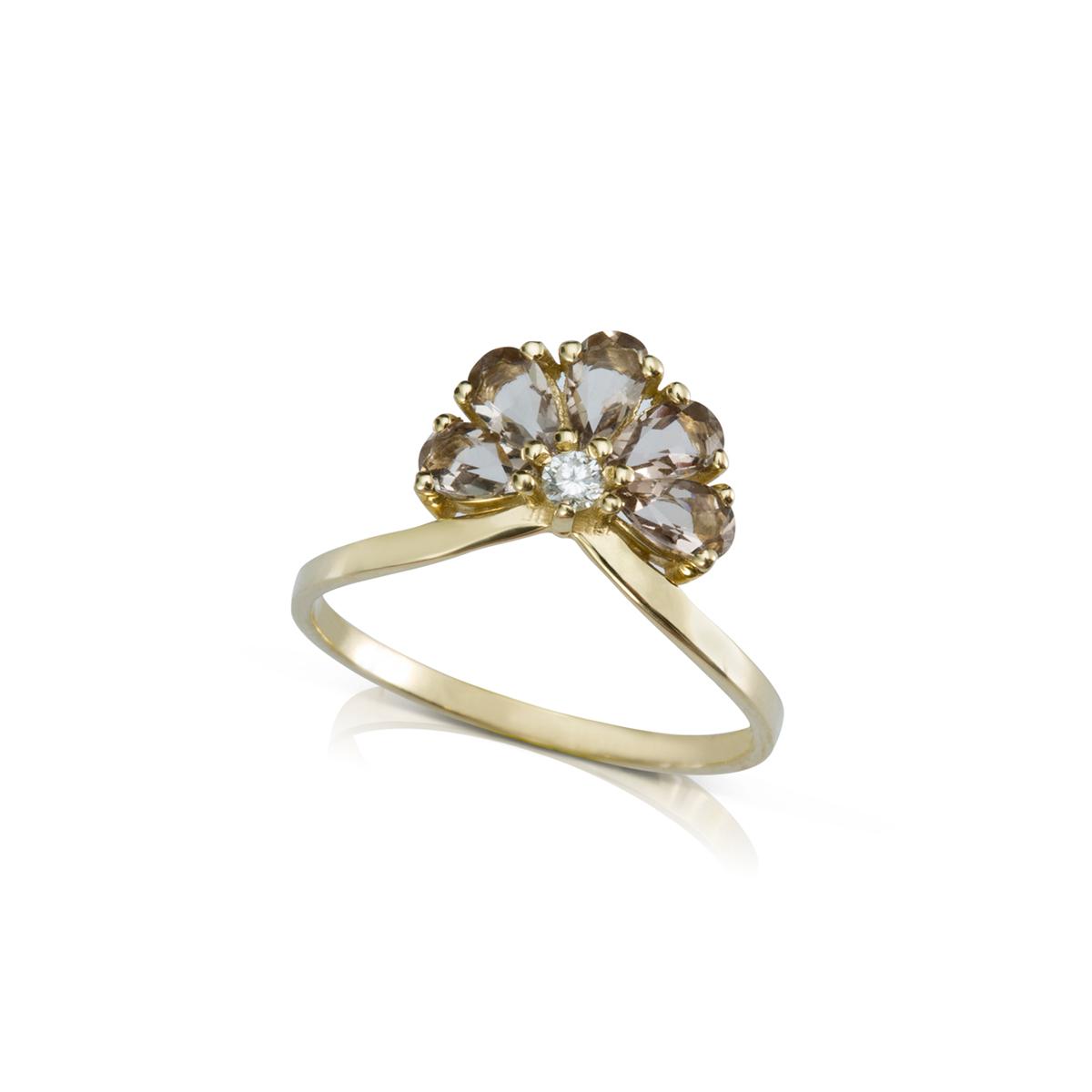 טבעת זהב משובצת ב-5 אבני סמוקי קווארץ בהירות ויהלום