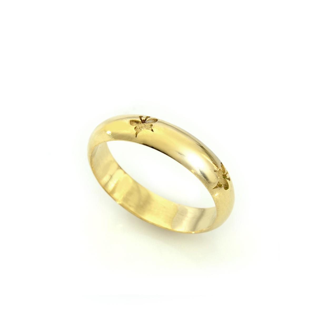 טבעת זהב עם חריטת פרפרים
