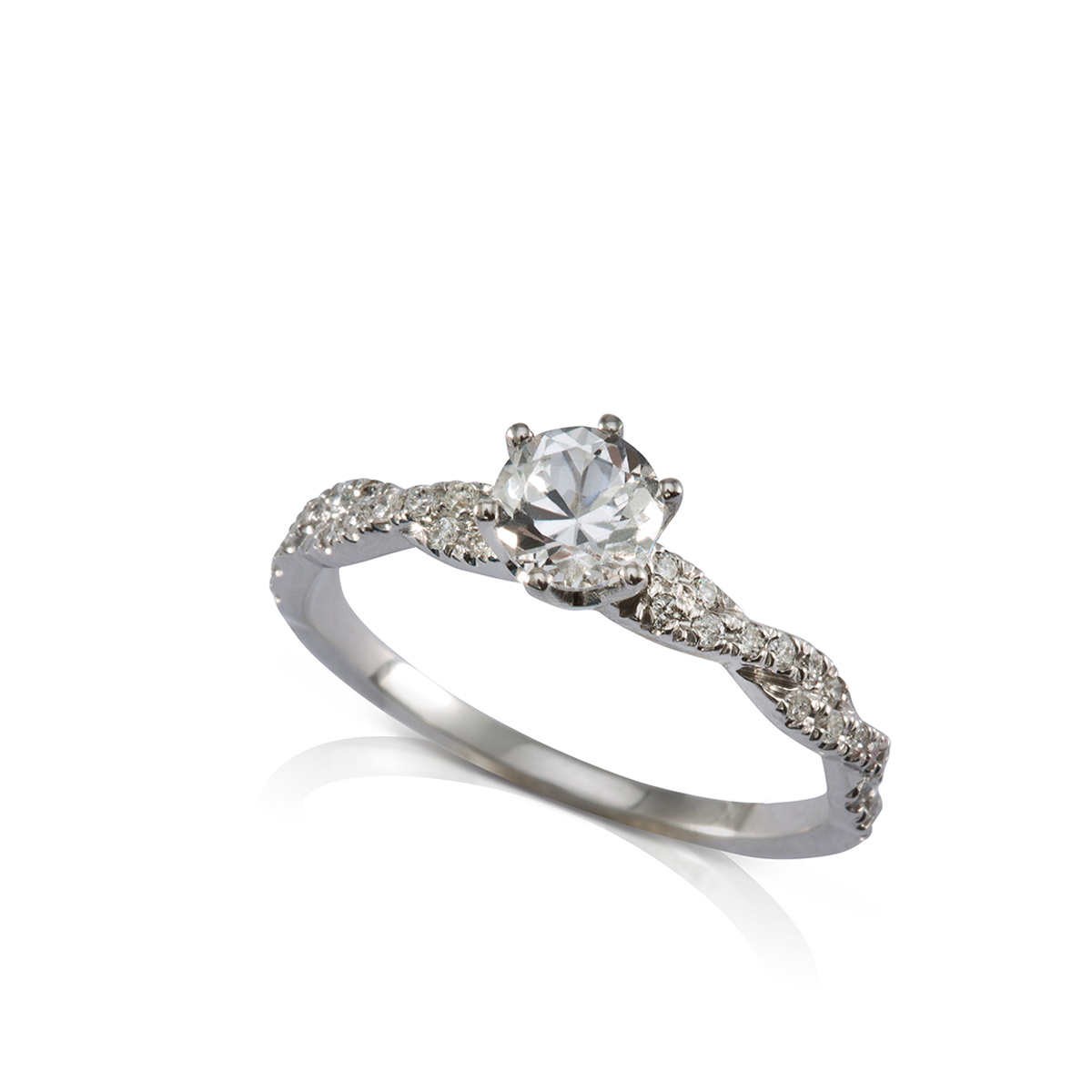 טבעת סוליטר צמה משובצת יהלומים