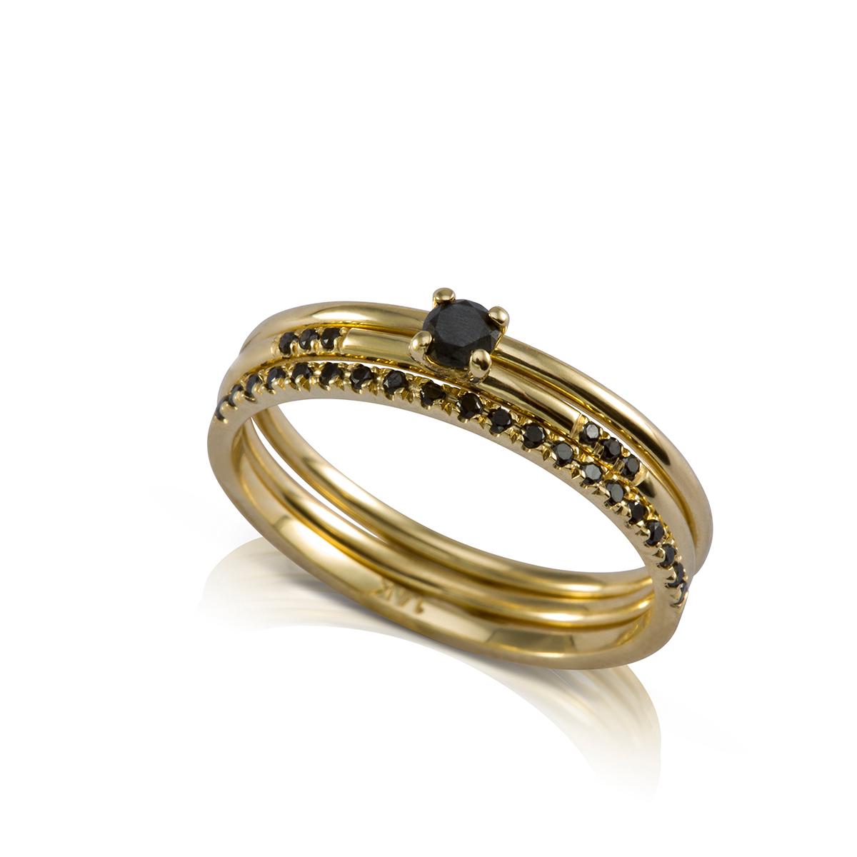 סט 3 טבעות זהב דקות בשילוב יהלומים שחורים