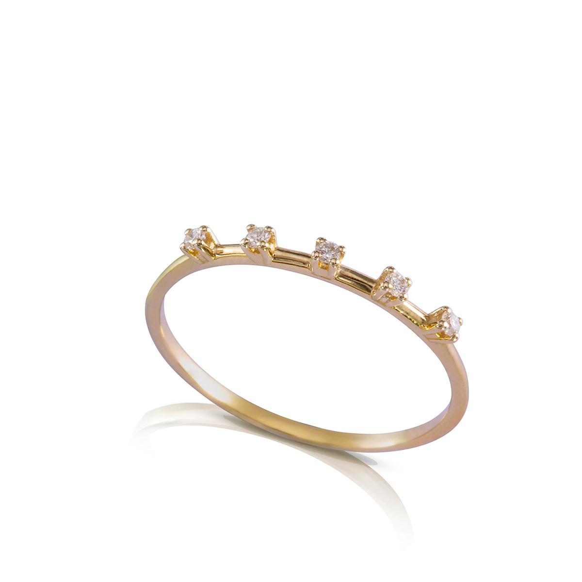 טבעת זהב ויהלומים עדינה משובצת 5 יהלומים