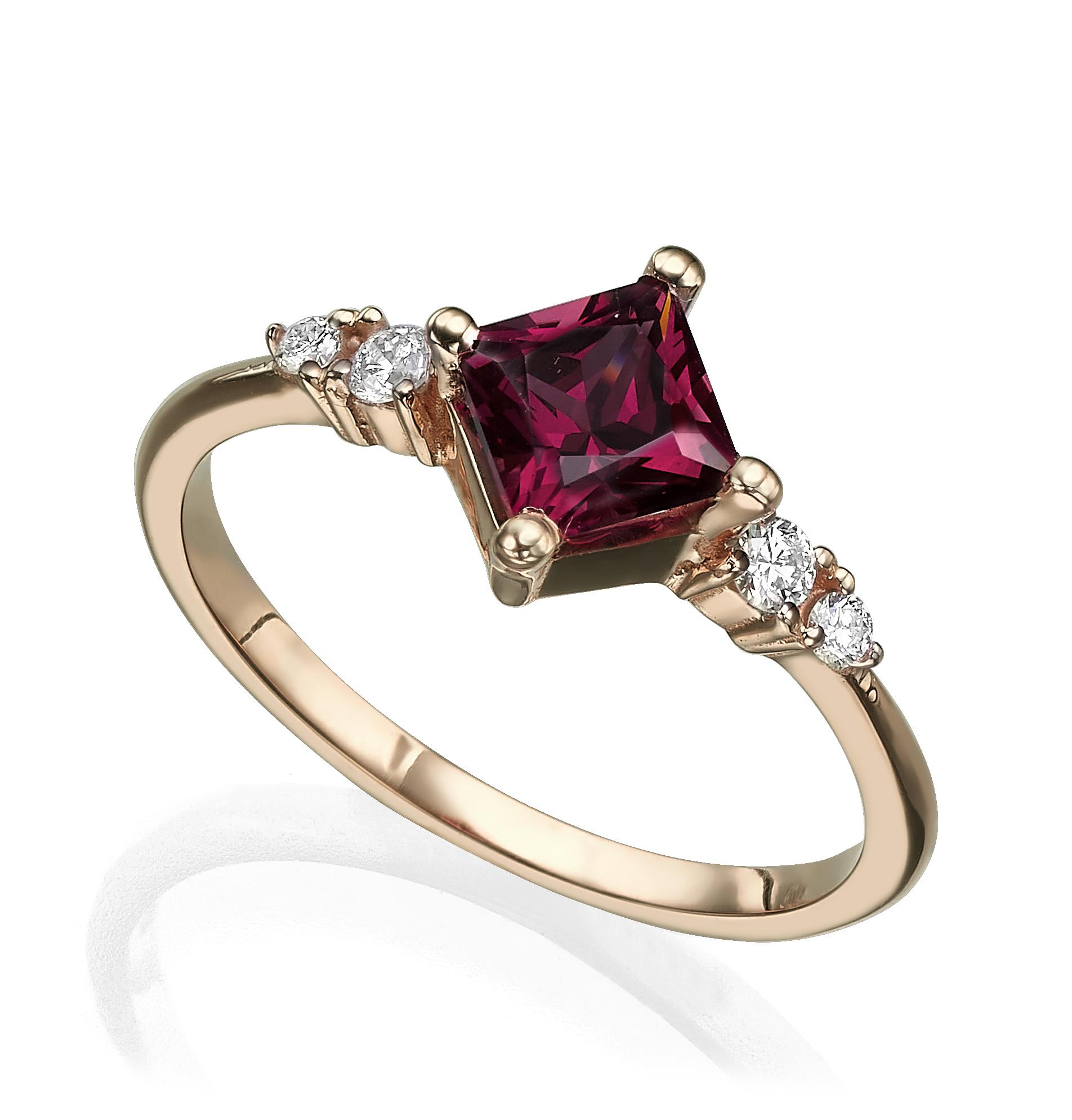 טבעת זהב משובצת אבן רודולייט מרובעת ויהלומים
