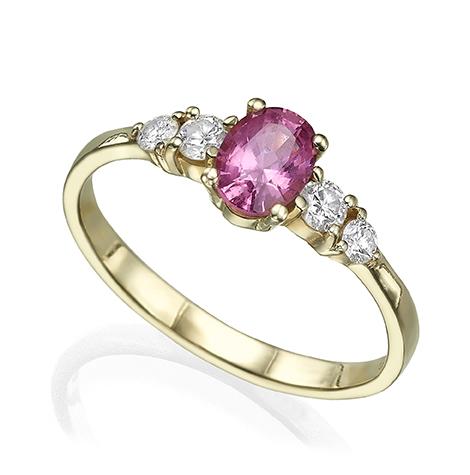 טבעת זהב משובצת אבן ספינל סגולה בחיתוך אובל ויהלומים